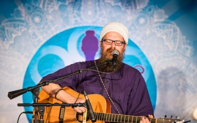 Chanting to Heal the Earth and Open the Heart with Gurunam Singh